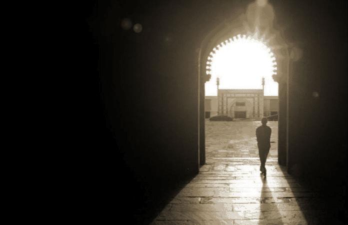 Бывший мусульманин открыл первую церковь в Косово за 700 лет - Небеса ТВ7